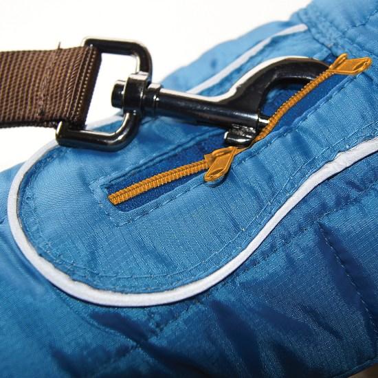 Zipper opening in Loft Jacket