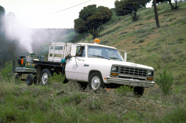 truck sprays for bugs in CA