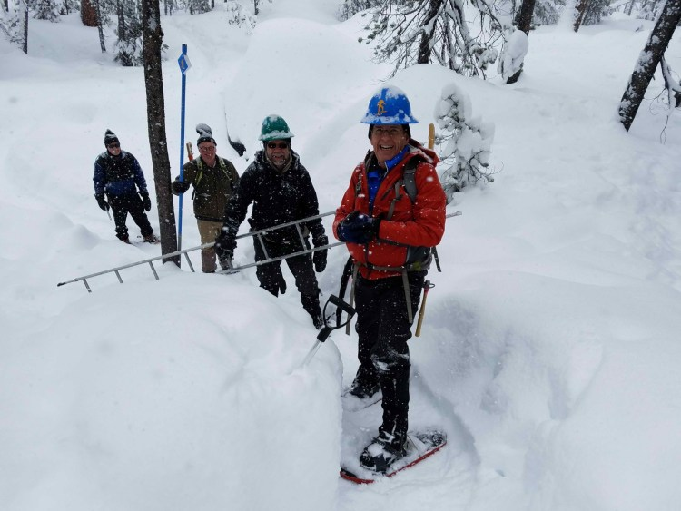 volunteers at Central Oregon Nordic Club on the trail