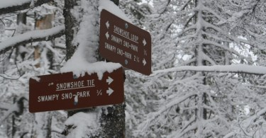 snowshoe trail sings in sno-parks in central Oregon
