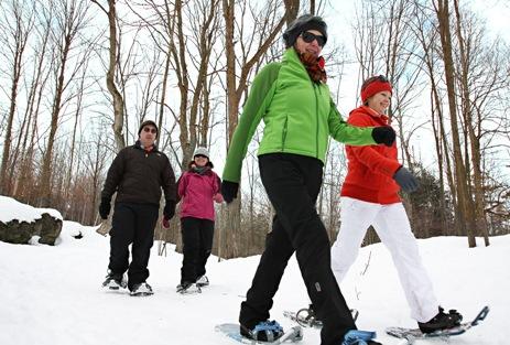 Toronto snowshoeing: snowshoers at Crawford Lake, Ontario