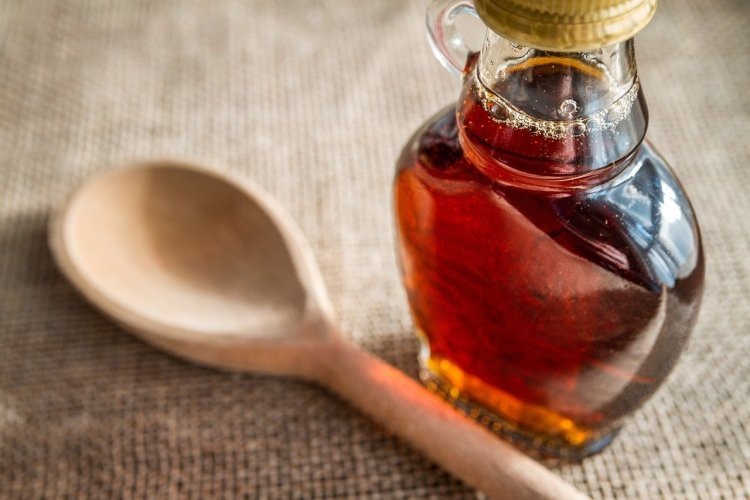 maple syrup and spoon