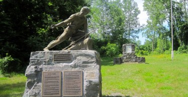 statue of Robert Rogers and plaque