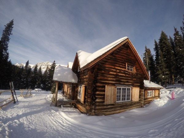 Parting shot of Skoki Lodge