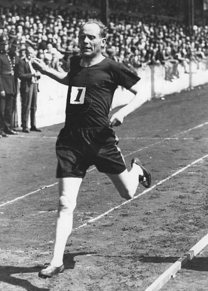 Paavo Nurmi, aka The Flying Finn, won the 1500m and 5000m gold medals in Paris' 1924 Olympics, but the rest-of-the-story is: there was less than an hour between the two races.