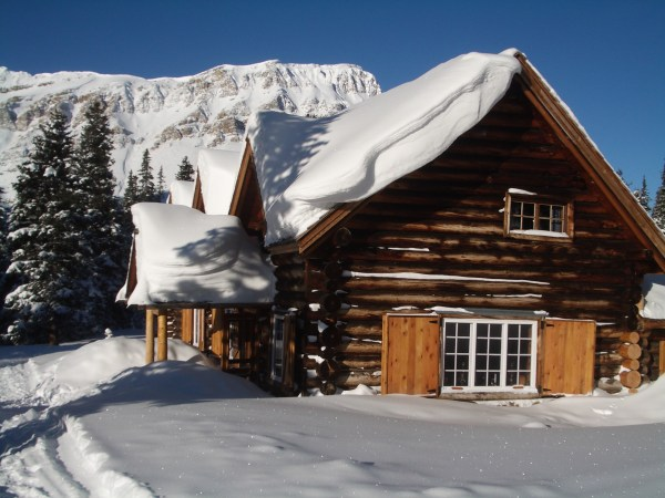 Skoki Lodge in winter