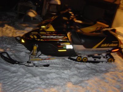 https://i2.wp.com/www.snowsnakes.com/snowmobiles/1143915697minus_00.jpg