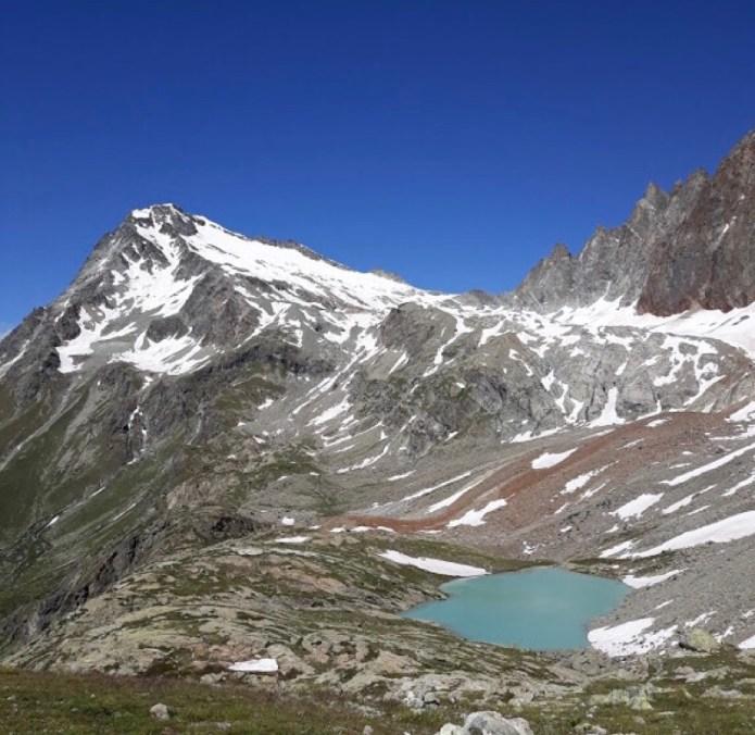 Lago alpino Benseya e Mont Gelé