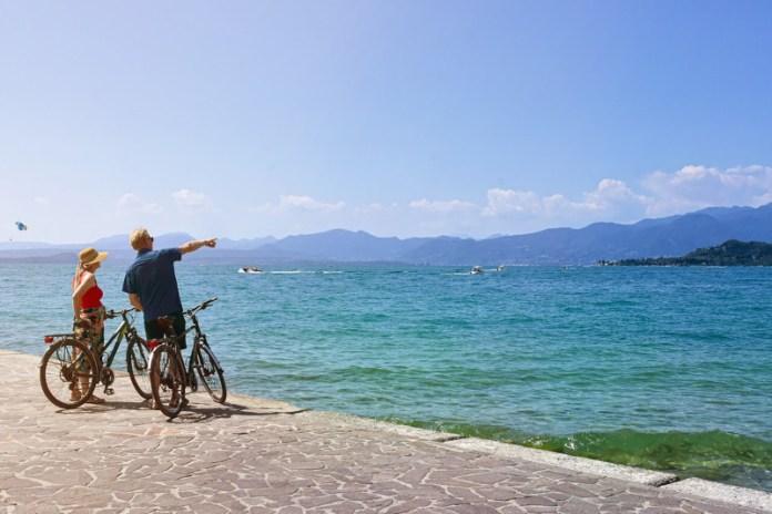 in bici attorno lago di Garda