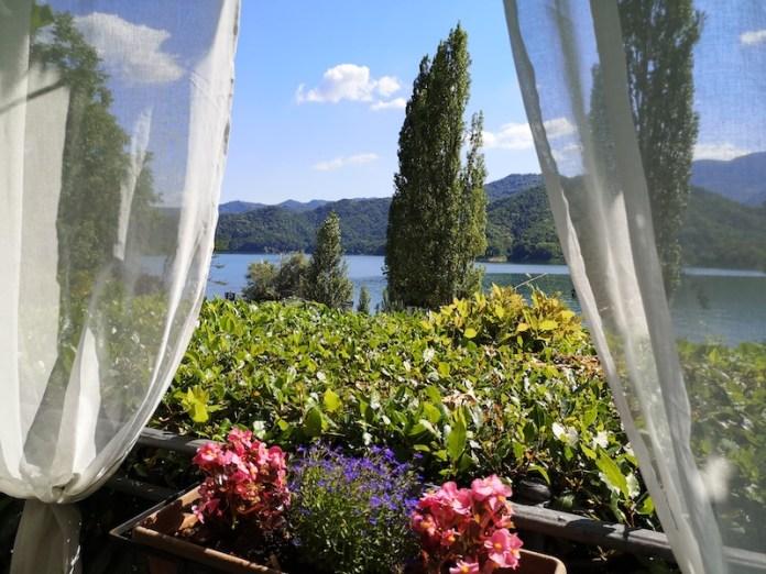 La finestra sul lago - Lago del salto