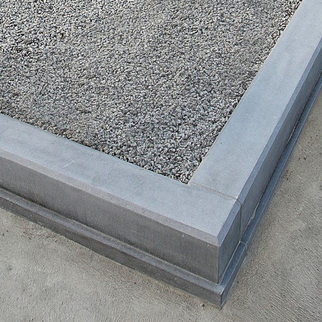Chamfered Kerb (No Corner Posts)