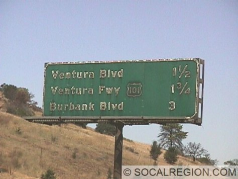 Old signage approaching US 101 heading over Sepulveda Pass. Note the outline US 101 shield.