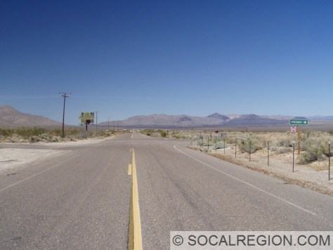 Northbound view of Brown Junction. US 395 south went to the right here.