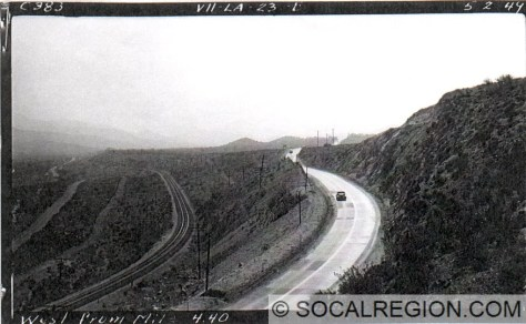 1949 view of US 6 looking toward Soledad Canyon Road. This is also the section of highway visible in the photo above.