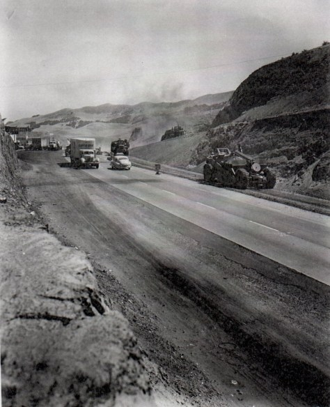 View of Tejon Summit in 1949 during expressway construction.