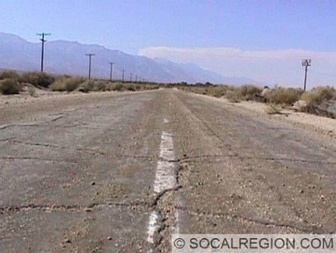 North of Lone Pine and the Alabama Hills, a short alignment of US 6/395 runs west of the present alignment. This roadways still has some striping and paving. It was bypassed in the 1940's.