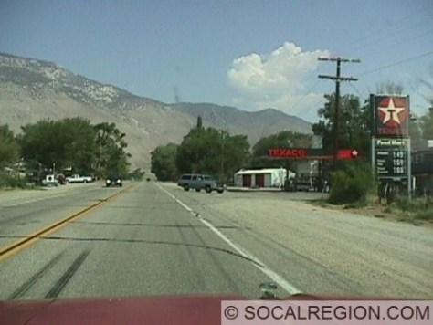 Main part of Olancha along US 395. Looking north.