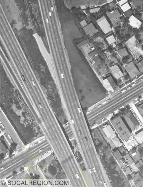 At Virgil Ave in 1960. Note the stub ramp leading off from the NB lanes (right lanes). The NB Virgil Ave bridge is also slightly wider at its northern end to accommodate this ramp.