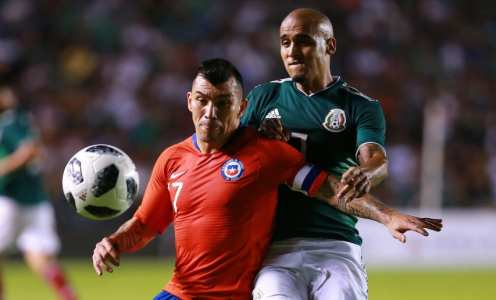 Gary Medel 'Agrees Personal Terms' With West Ham United Ahead of Summer Transfer