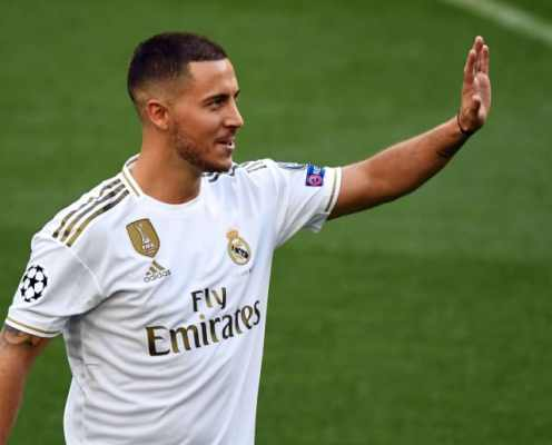 Eden Hazard Kisses Real Madrid Badge During Official Unveiling at the Bernabeu