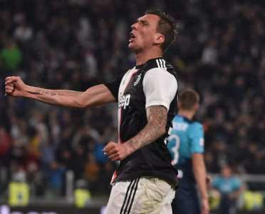 Mario Mandzukic's Move to Qatar Collapses With Juventus Outcast Set to Remain in Italy