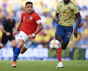 Inter Eye Up 'Unhappy' Chelsea Star as Alexis Sanchez Undergoes Ankle Surgery
