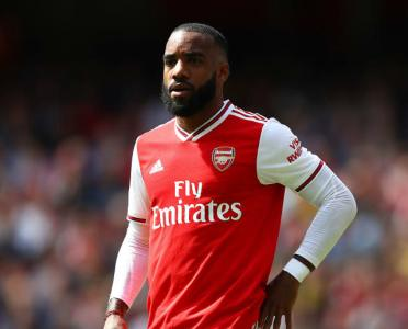 Alexandre Lacazette's Agent Makes Huge Claim About Release Clause and Russian Club Offer