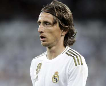 Luka Modric Reveals He 'Couldn't Hold Back Tears' After Move to Chelsea Broke Down