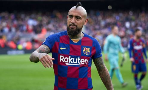 Arturo Vidal Leaves Door Open to Barcelona Exit But Insists He Is Still Happy at Camp Nou