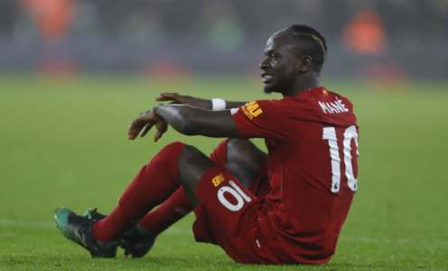Fans in Turmoil as Sadio Mané Forced Off With Hamstring Injury Against Wolves