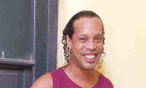 Ronaldinho Pictured Smiling in Paraguayan Prison After Passport Fiasco