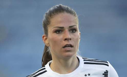 Chelsea Women Continue to Set the Bar With Signing of Bayern Munich Captain Melanie Leupolz