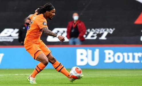 Steve Bruce Reluctant to Make Valentino Lazaro's Loan Deal Permanent