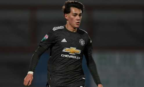 Facundo Pellistri joins Alaves on loan from Manchester United