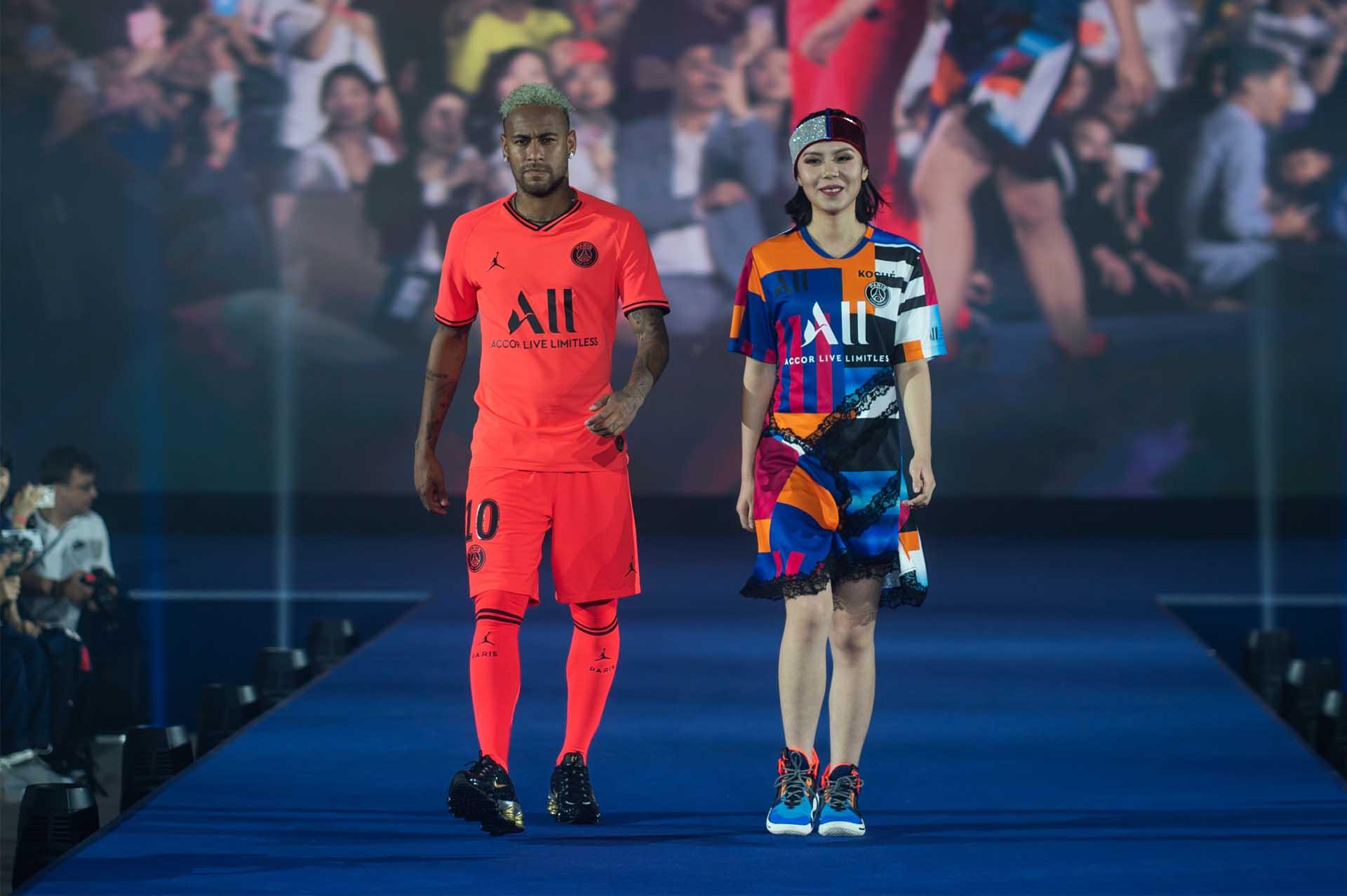 psg koche host fashion show to debut