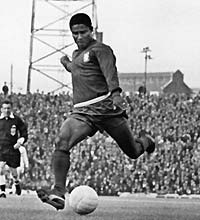 Image of Eusabio wearing the original Puma Kings b4789b1314