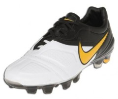 on sale 20a1e 5e32a Nike CTR360 Maestri, and this cleat is being specifically driven to one  market  the playmaker ! You just have to look at the players who will be  wearing the ...