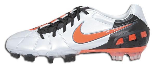 2fa7977ed Latest Nike Total90 III Released in Metallic Platinum