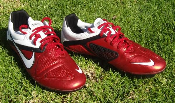 Nike CTR360 Maestri II soccer cleats