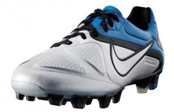 Nike CTR360 Maestri II in White Blue Spark  a5746a17afde8