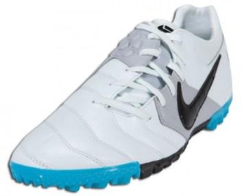 Nike5 Bomba Turf