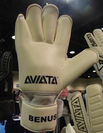 Aviata GK Glove