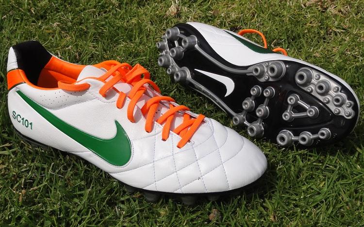 Nike Tiempo Line Turf Shoes
