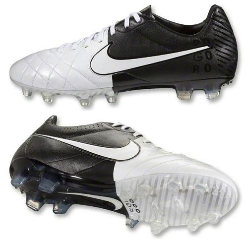 Nike Tiempo IV Black and White