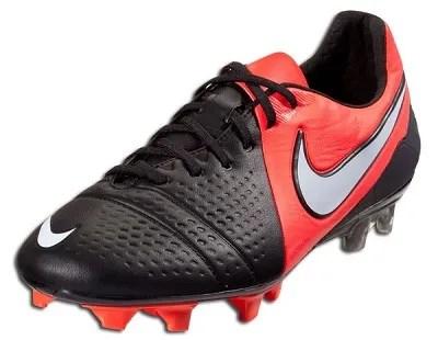 Black Nike CTR360 Maestri III