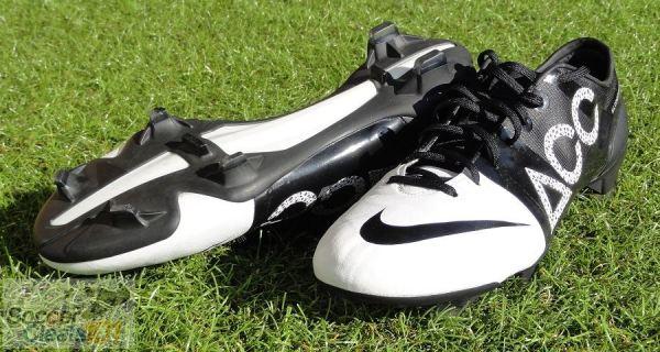 Nike GS II