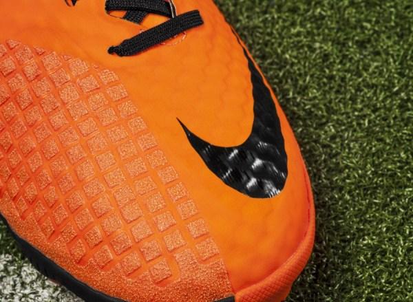 Nike Bomba Finale II ToeBox