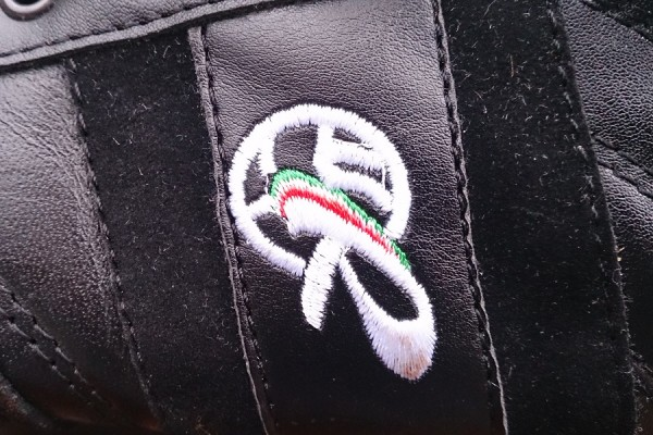 Ryal Logo on the Classico Turf