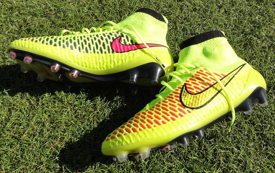 best indoor soccer shoes for wide feet — Stiftelsen