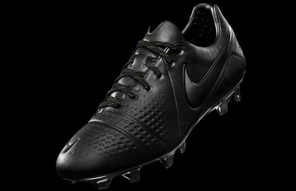 CTR360 Final Blackout Boots